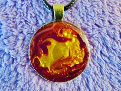 Vivid Red Gold Pendant